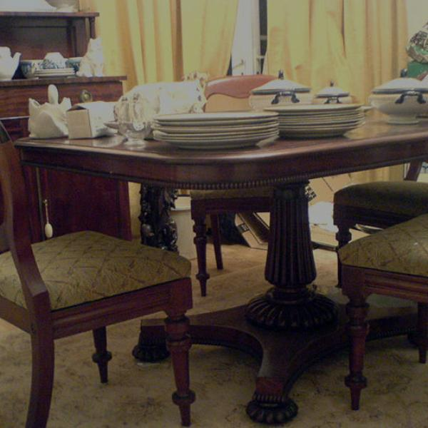 Antique furniture and modern usable Items bought and sold